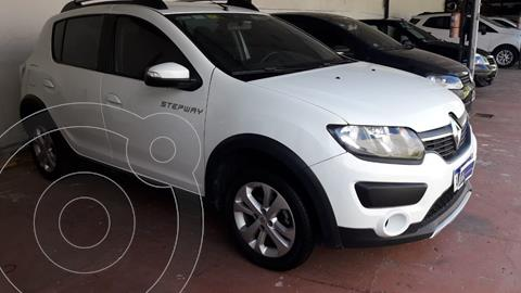 Renault Sandero Stepway 1.6 Privilege usado (2017) color Blanco financiado en cuotas(anticipo $750.000)