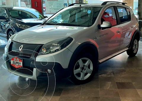 Renault Stepway Dynamique usado (2014) color Gris precio $135,000