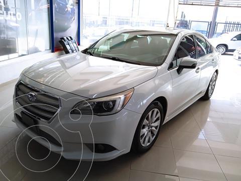 Subaru Legacy 2.5i usado (2015) color Blanco precio $235,000