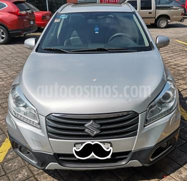 Suzuki S-Cross GLX Aut usado (2014) color Plata Paladio precio $160,000