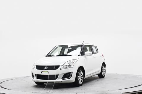 Suzuki Swift GLX Aut usado (2017) color Blanco precio $211,600