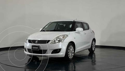 Suzuki Swift GLS usado (2012) color Blanco precio $127,999