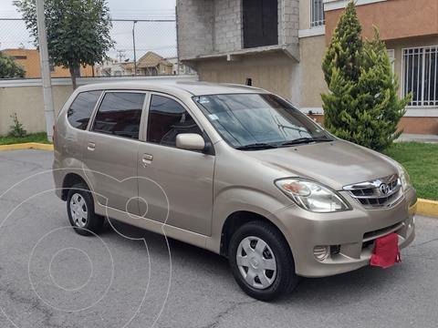Toyota Avanza Premium usado (2010) color Arena precio $95,000