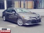 Foto venta Auto usado Toyota Camry 4p LE L4/2.5 Aut (2018) color Gris precio $335,000