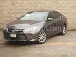 Foto venta Auto usado Toyota Camry 4p XLE L4/2.5 Aut (2017) color Gris precio $320,000
