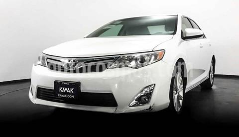 Toyota Camry XLE 3.0L V6 usado (2013) color Blanco precio $182,999