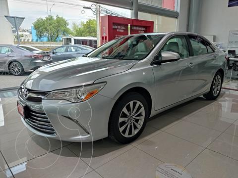 Toyota Camry XLE 2.5L usado (2017) color Plata precio $279,000