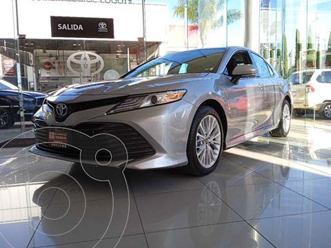 Toyota Camry XLE 2.5L Navi Hibrido usado (2019) color Plata precio $535,000