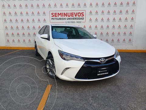 Toyota Camry XSE 3.5L V6 usado (2015) color Blanco precio $245,000