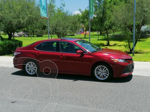 Toyota Camry XLE 2.5L usado (2019) color Rojo precio $379,000