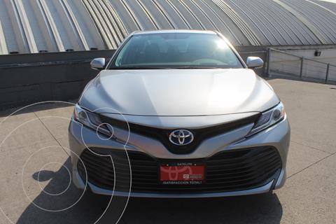 Toyota Camry XLE 2.5L Navi Hibrido usado (2019) color Plata Metalico precio $499,000