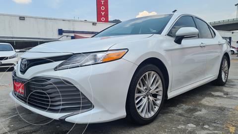 Toyota Camry XLE 2.5L usado (2018) color Blanco precio $349,000