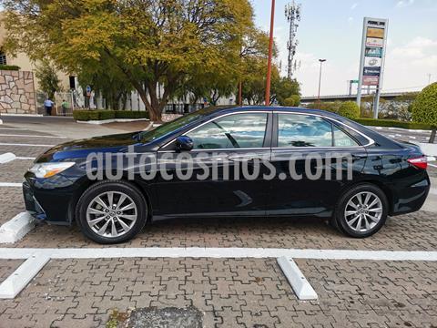 Toyota Camry XLE 2.5L usado (2015) color Negro precio $215,000