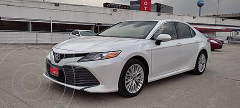 Toyota Camry XLE 2.5L Navi usado (2019) color Blanco Perla precio $449,000