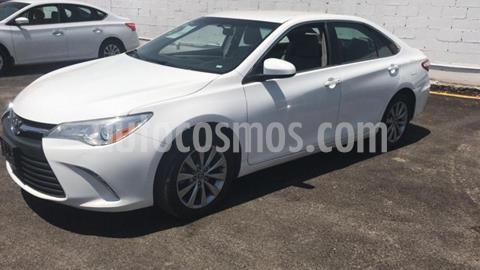 Toyota Camry 4P LE L4/2.5 AUT usado (2017) color Blanco precio $250,000
