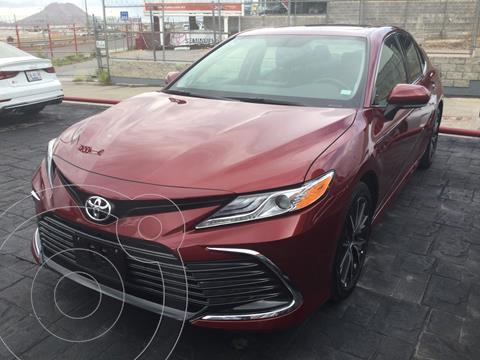 Toyota Camry XLE 2.5L usado (2021) color Rojo precio $550,000