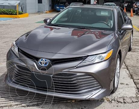 Toyota Camry XLE 2.5L Navi Hibrido usado (2019) color Grafito precio $560,000