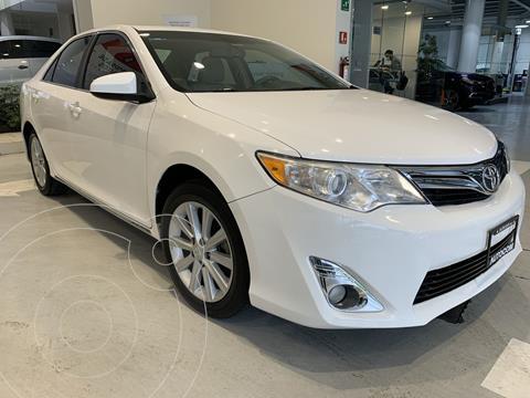 Toyota Camry XLE 2.5L usado (2014) color Blanco precio $210,000