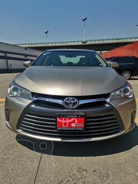 Toyota Camry XLE usado (2017) color Plata precio $299,000