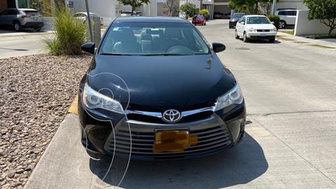 Toyota Camry XLE 2.5L usado (2015) color Negro precio $225,000