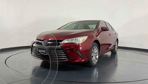 Toyota Camry XLE 2.5L Navi usado (2016) color Beige precio $262,999