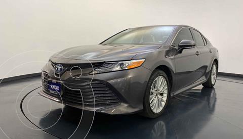 Toyota Camry XLE 2.5L Navi Hibrido usado (2019) color Plata precio $504,999