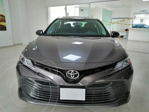 Toyota Camry XLE 2.5L Navi usado (2019) color Gris Oscuro precio $480,000