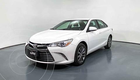 Toyota Camry LE 2.5L usado (2015) color Blanco precio $239,999