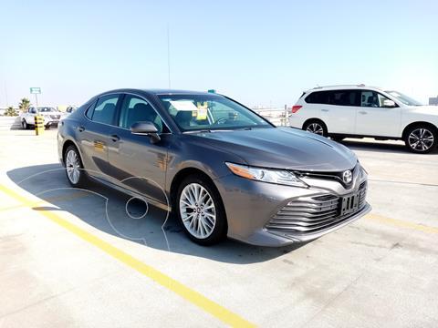 Toyota Camry XLE 2.5L usado (2018) color Gris precio $350,000