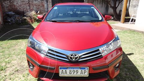 Toyota Corolla 1.8 XEi CVT usado (2017) color Rojo precio $1.960.000