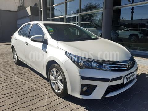 Toyota Corolla 1.8 XEi  usado (2016) color Blanco precio $1.450.000