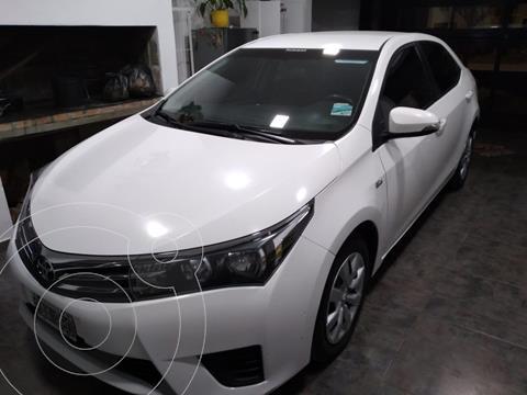 Toyota Corolla 1.8 XEi Pack Aut usado (2015) color Blanco precio $1.500.000