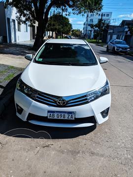 Toyota Corolla 1.8 XEi CVT usado (2017) color Blanco precio $2.000.000