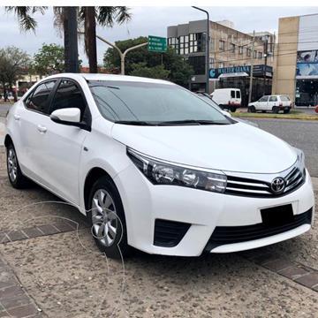 Toyota Corolla 1.8 XLi usado (2015) color Blanco precio $1.590.000