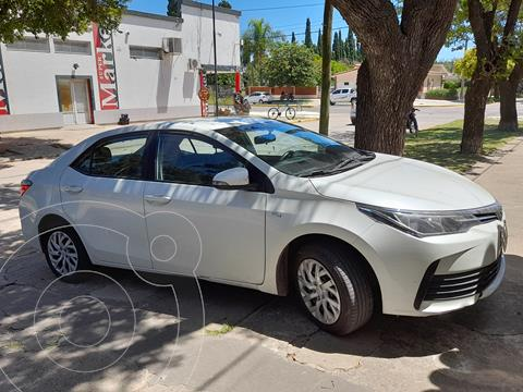 Toyota Corolla 1.8 XLi CVT usado (2018) color Blanco Perla precio $1.800.000
