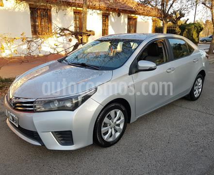 Toyota Corolla 1.8 XLi Aut usado (2015) color Gris precio $980.000