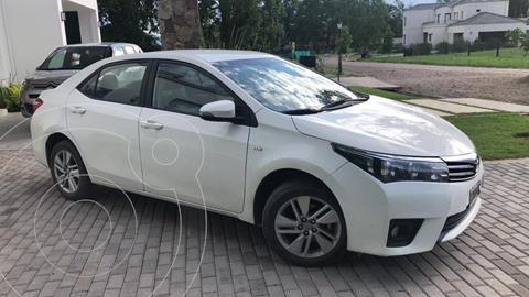 Toyota Corolla 1.8 XEi usado (2015) color Blanco precio $1.500.000
