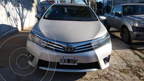 Toyota Corolla 1.8 XEi usado (2014) color Gris Plata  precio $1.295.000