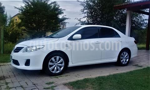 Toyota Corolla 1.8 XLi usado (2013) color Blanco precio $875.000