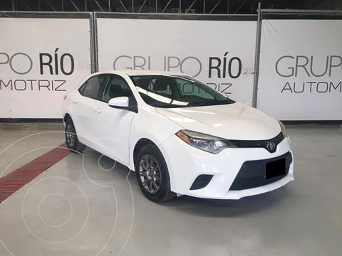 Toyota Corolla Base Aut usado (2016) color Blanco precio $194,000