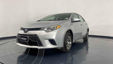 Toyota Corolla Base usado (2015) color Plata precio $189,999