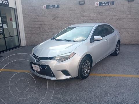 Toyota Corolla Base Aut usado (2014) color Plata Dorado precio $180,000