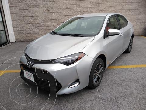 Toyota Corolla LE 1.8L usado (2017) color Plata Dorado precio $240,000