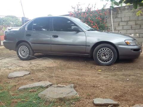 Toyota Corolla GLi 1.8L usado (1995) color Gris precio u$s1.800