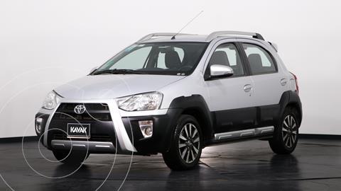 Toyota Etios Hatchback Cross usado (2014) color Gris precio $1.270.000