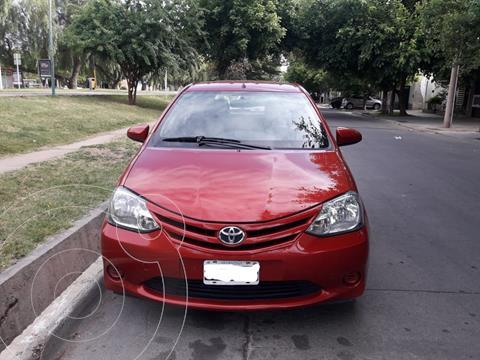 Toyota Etios Hatchback XS usado (2015) color Rojo precio $850.000