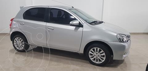 Toyota Etios Hatchback XLS usado (2015) color Gris Plata  financiado en cuotas(anticipo $690.000)