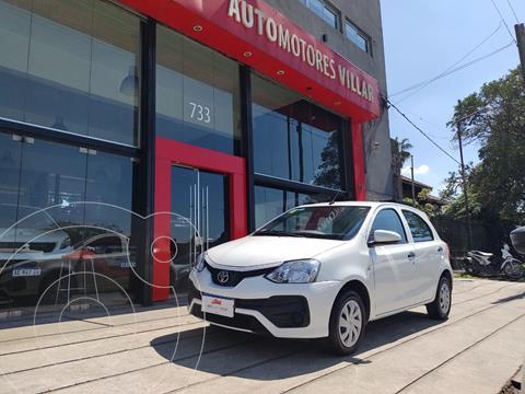 Toyota Etios Hatchback X usado (2018) color Blanco precio $1.880.000