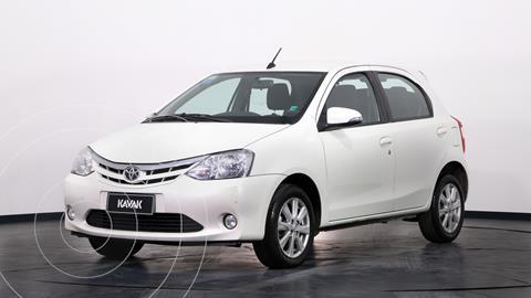 Toyota Etios Hatchback XLS usado (2017) color Blanco precio $1.490.000