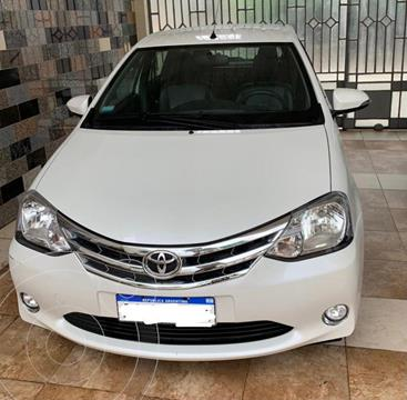 Toyota Etios Hatchback Platinum usado (2016) color Blanco Perla precio $1.150.000